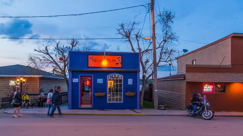 Village Perk Cafe, Manitou Beach, Victoria Day Weekend Saturday Night (Darrell Noakes)