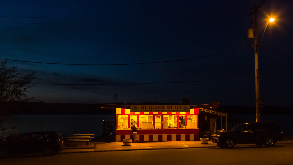 Burger Buoy, Manitou Beach, Victoria Day Weekend Saturday Night (Darrell Noakes)