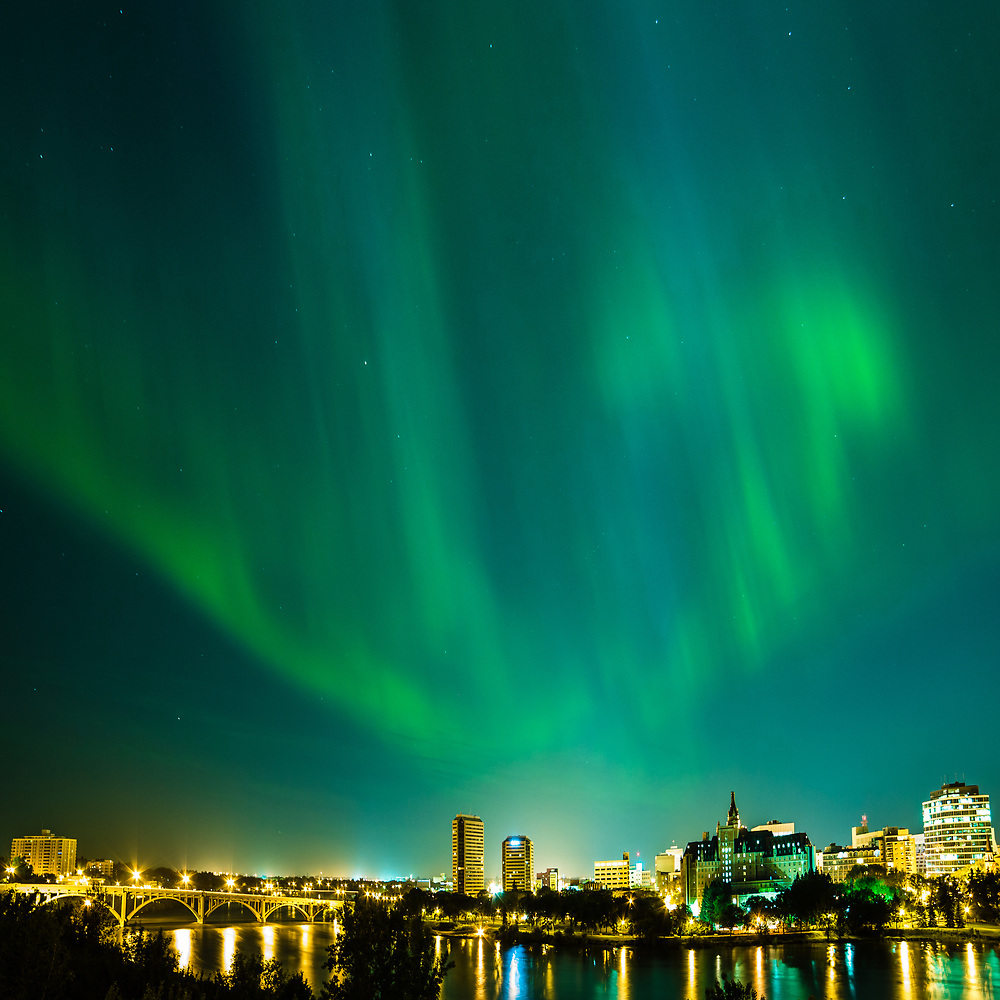 Aurora borealis over downtown Saskatoon skyline, night of June 28-29, 2013 (Darrell Noakes)