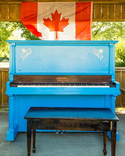 Blue Piano, Kiteley Park, Riverhurst, Saskatchewan (Darrell Noakes)